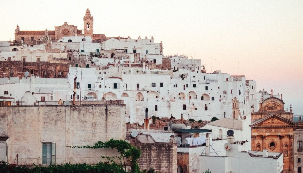 Ostuni-land-of-white-house